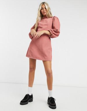 Платье мини розового цвета в стиле