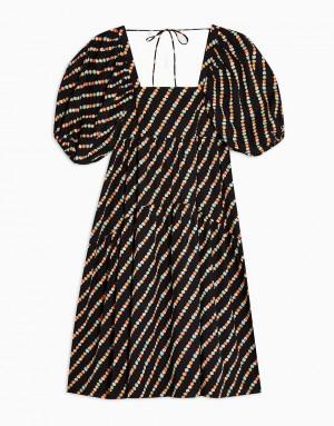 Черное платье с присборенной юбкой изхлопкового поплина сотделкой на спине ицветочным принтом Topshop-Черный цвет